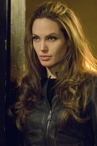 Wanted-Angelina-Jolie-Stills-movies-25460885-450-678