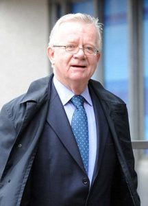 07571679000005DC-3468766-Delay_Sir_John_Chilcot_was_hired_to_begin_his_inquiry_in_2009_at-a-43_1456714235155